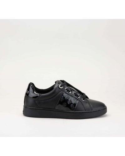 Czarne sneakersy skorzane Guess