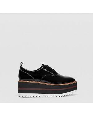 Туфли на каблуке на платформе на танкетке Stradivarius
