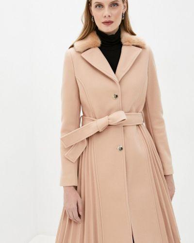 Бежевое пальто Rinascimento