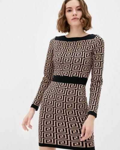 Прямое бежевое платье Moocci