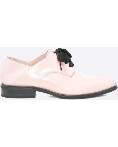 Розовые туфли на шнуровке Gino Rossi