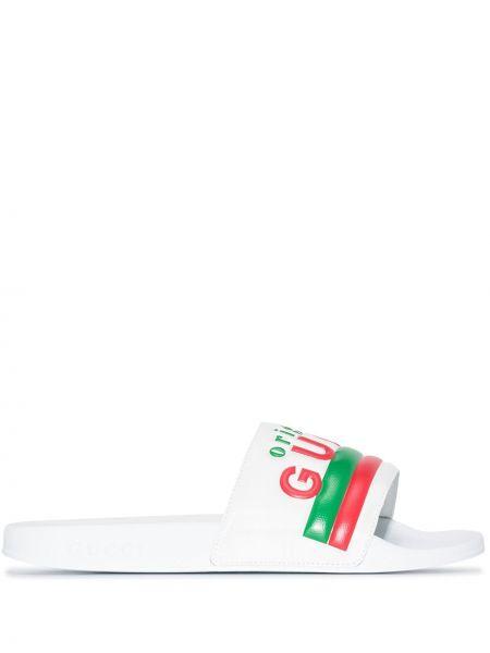 Białe klapki skorzane peep toe Gucci