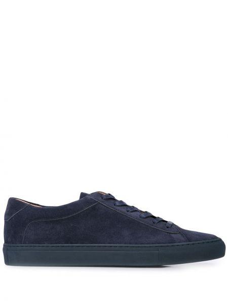 Черные кроссовки Koio