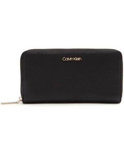 Кожаный кошелек на молнии черный Calvin Klein