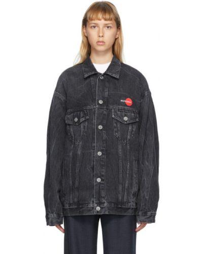 Ватная черная джинсовая куртка с вышивкой Balenciaga