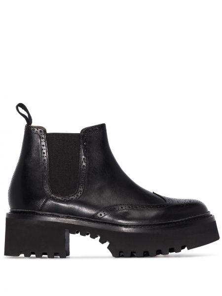 Черные ботинки челси на каблуке круглые из натуральной кожи Grenson
