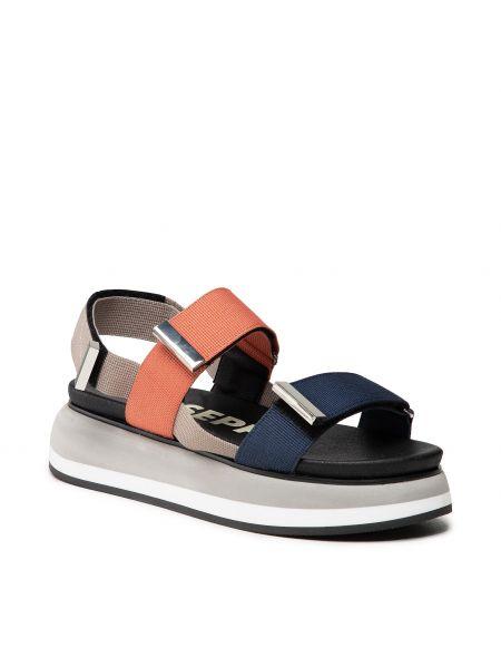 Szare sandały Gioseppo