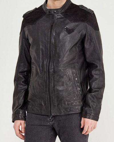 Черная куртка Mustang