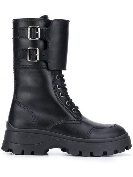 Czarny zasznurować buty na niskim poziomie Miu Miu