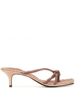 Кожаные коричневые открытые босоножки на каблуке Mara & Mine