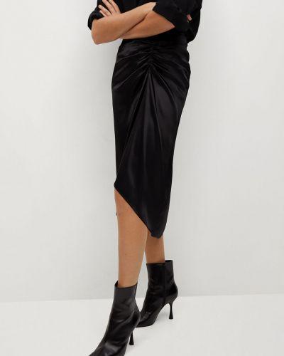 Czarna spódnica midi asymetryczna z wiskozy Mango