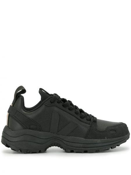 Хлопковые черные высокие кроссовки оверсайз на шнуровке Veja