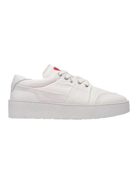 Białe sneakersy Ami Paris