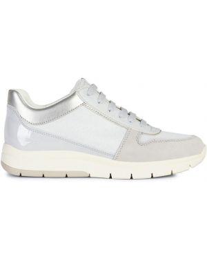 Buty na obcasie na pięcie ażurowy Geox