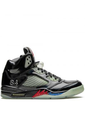 Кожаные черные кроссовки на шнуровке Jordan