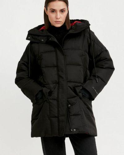 Свободная черная утепленная куртка Finn Flare