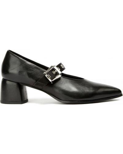 С ремешком кожаные туфли Fabi