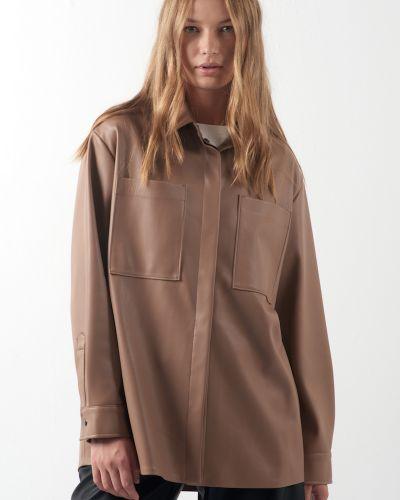 Бежевая блузка Vassa&co
