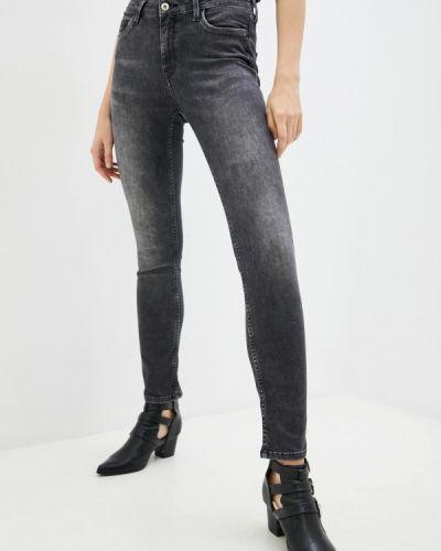 Серые зимние джинсы Mexx