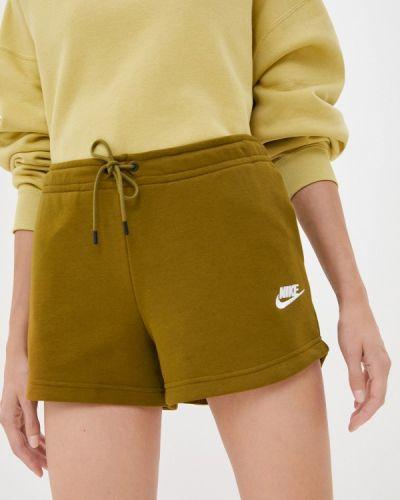 Зеленые спортивные шорты Nike