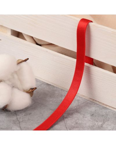 С рукавами красная резинка для волос на резинке арт узор