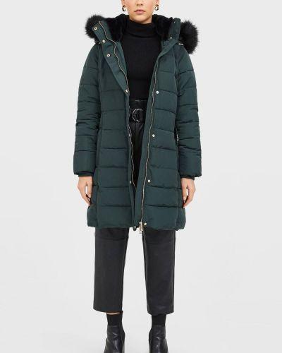 Зеленая зимняя куртка Stradivarius