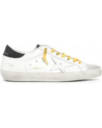 Beżowe sneakersy zamszowe Golden Goose