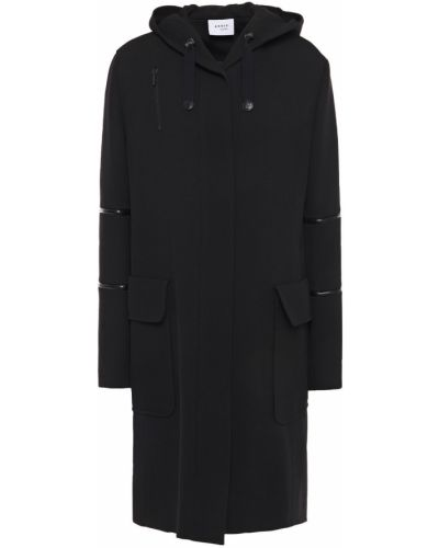 Czarny płaszcz z kapturem Akris
