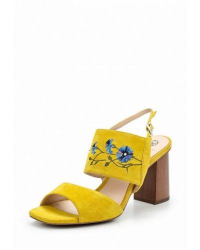 Желтые босоножки на каблуке Ekonika