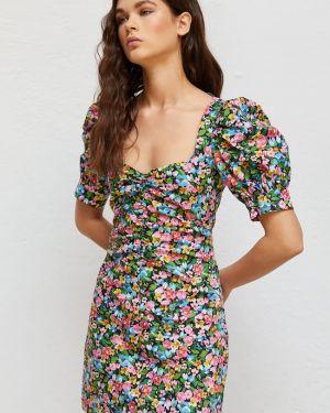 Платье с цветочным принтом с вырезом Stradivarius