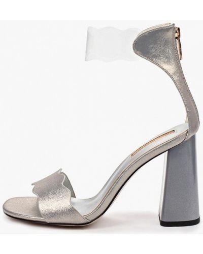 Босоножки на каблуке кожаные серебряный Inario