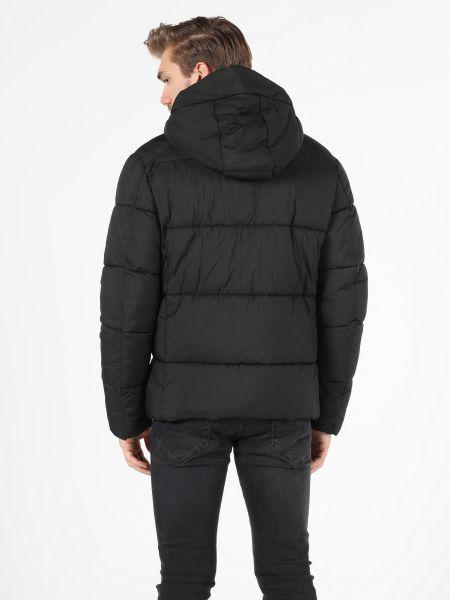 Куртка - черная Colin's