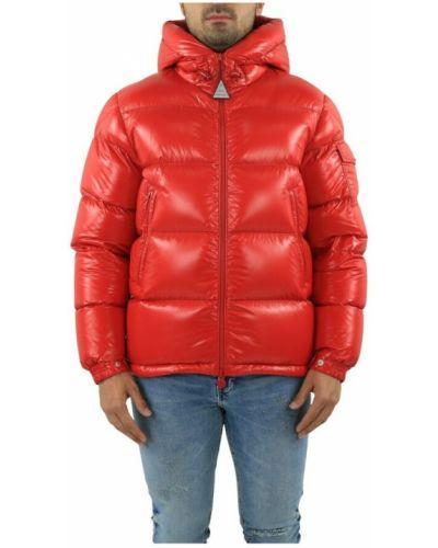 Czerwona kurtka Moncler