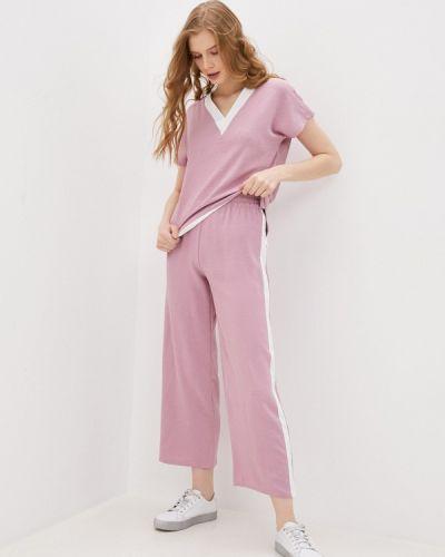 Костюмный розовый брючный костюм Pink Frost