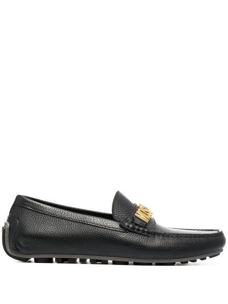 Czarne loafers skorzane Moschino
