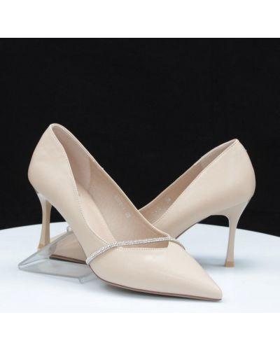 Кожаные туфли - бежевые Loretta