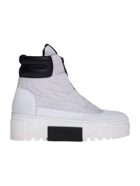 Białe sneakersy skorzane Vic Matie