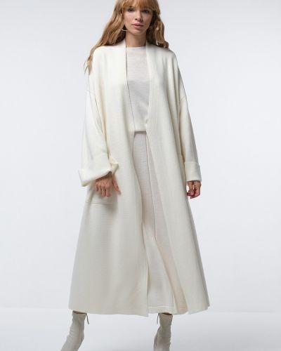 Шерстяное пальто - белое Viamaro