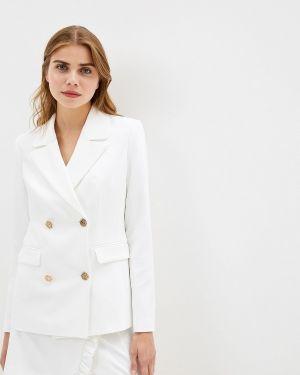 Юбочный костюм белый Ruxara