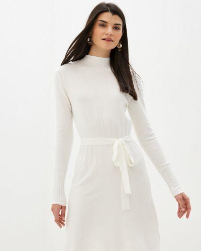 Вязаное трикотажное белое платье B.style
