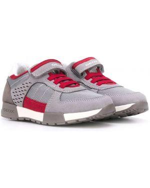 Sneakersy z logo z siatką Geox Kids