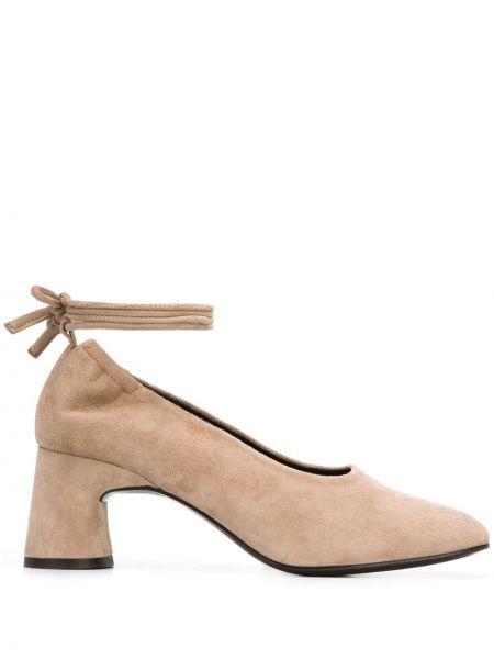 Туфли на каблуке кожаные замшевые Dorateymur