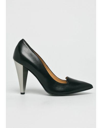 Кожаные туфли на каблуке Solo Femme