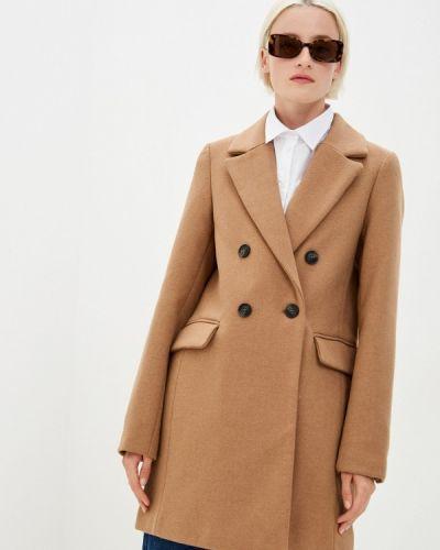 Бежевое пальто Befree