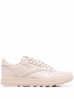 Кожаные кроссовки на шнуровке однотонные Maison Margiela X Reebok