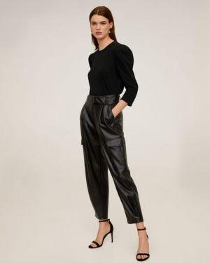 Кожаные черные брюки карго с карманами Mango