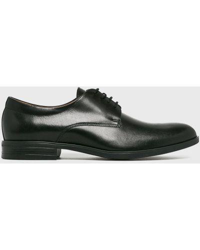 Туфли на шнуровке кожаные Conhpol