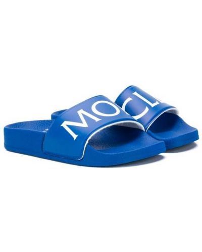 Шлепанцы синие с принтом Moncler Kids