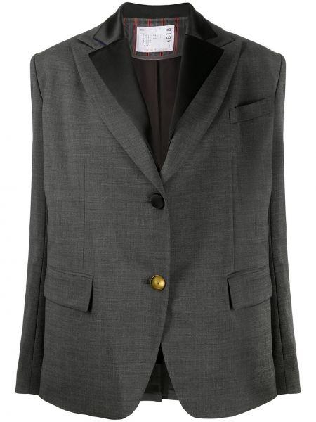 Однобортный серый пиджак с карманами Sacai