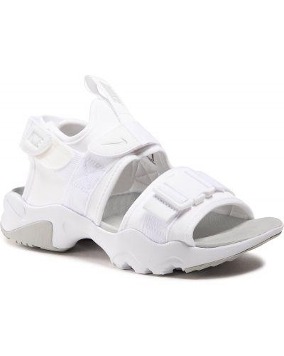 Białe sandały Nike